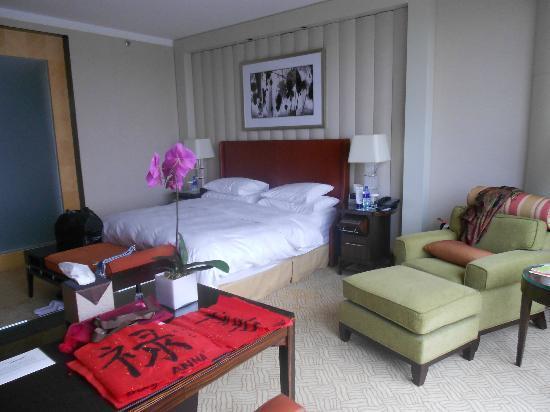 The Ritz-Carlton Beijing, Financial Street: View of bed area
