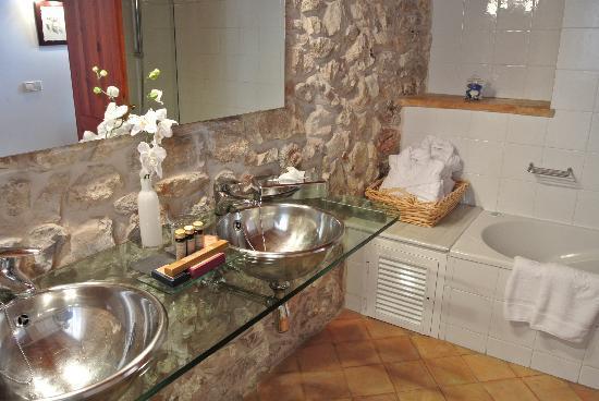 Cas Comte Petit Hotel & Spa: Bathroom