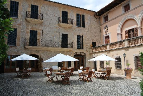 Cas Comte Petit Hotel & Spa: The hotel