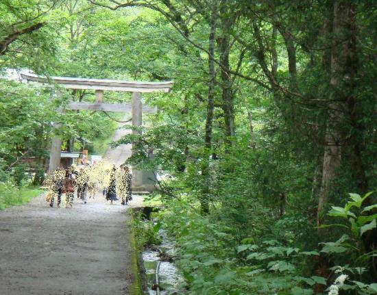 Togakushi Shrine Okusha: にこやかにスタート!