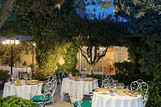 Auberge de cassagne le pontet restaurant reviews phone number photos tripadvisor - Le pontet avignon ...