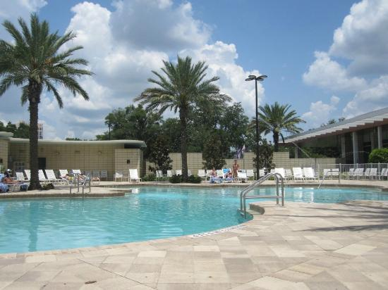 Holiday Inn Orlando – Disney Springs Area: wonderful pool ... clean ... spacious