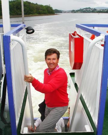 Donegal Town, Irlanda: Daniel O'Donnell onboard The Waterbus