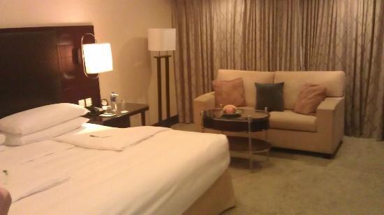 Shangri-La Hotel,Xian: Room 1 - bed