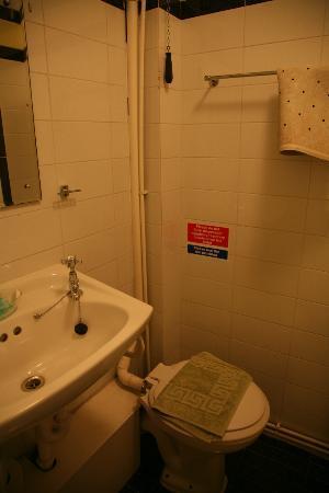 Crescent Hotel: Bathroom (2)