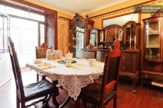 Salem House Bed & Breakfast: Dining Room