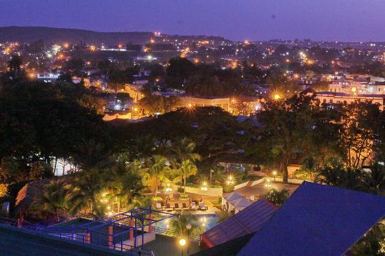 Melia Santiago de Cuba: Melai Santiago de Cuba - view from Roof Bar