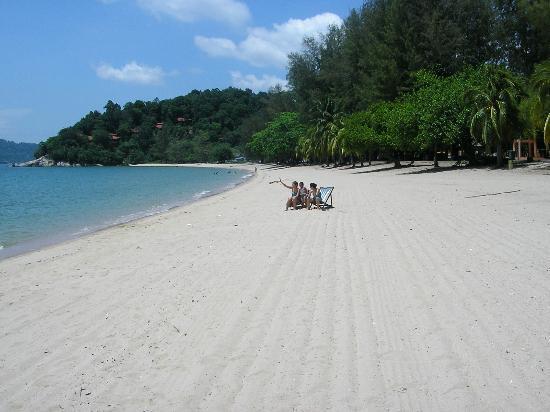 Teluk Batik Resort : Teluk Batik Beach