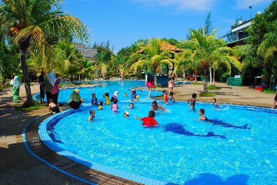 Teluk Batik Resort : Swimming Pool