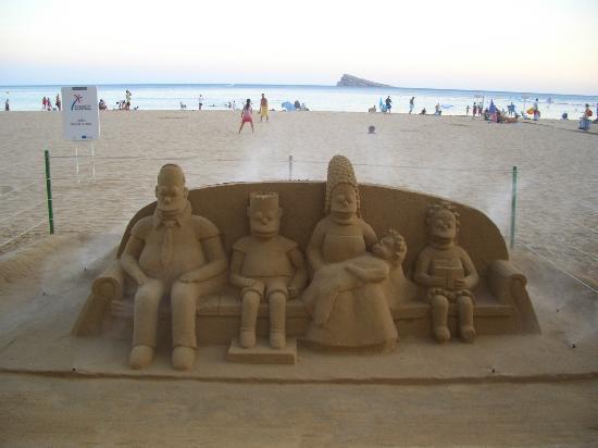 Servigroup Venus: Sandskulptur am Strand