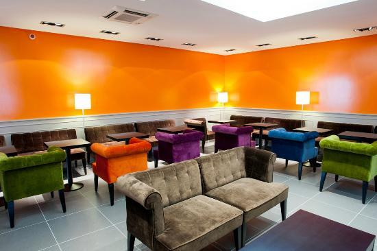 Panorama Hotel : Lounge Tv