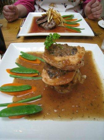 No4 Restaurant: Chicken & Haggis, Venison in the background
