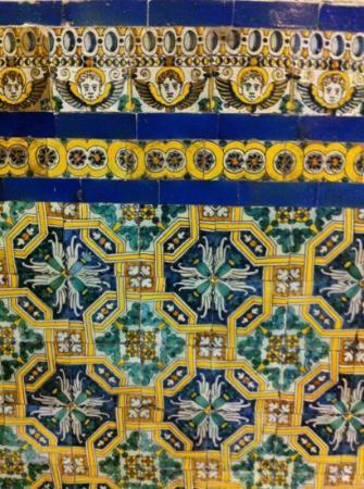 Dise o de los azulejos que adornan gran parte de la for La casa del azulejo san francisco