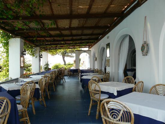 Arathena Rocks Hotel: Тераса для завтрака