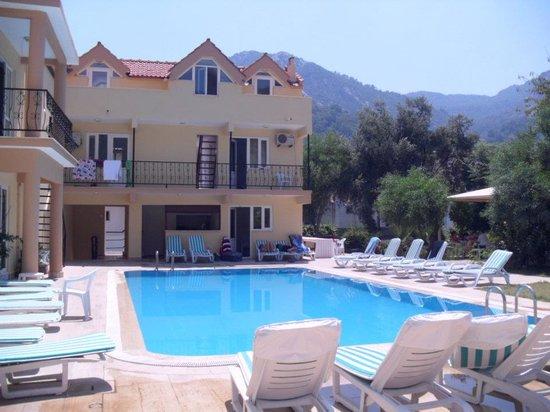 Zeus turunc hotel bewertungen fotos preisvergleich for Swimming pool preisvergleich