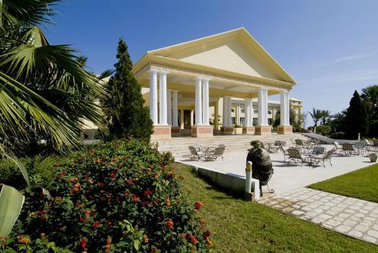 Royal Thalassa Monastir: FACADE