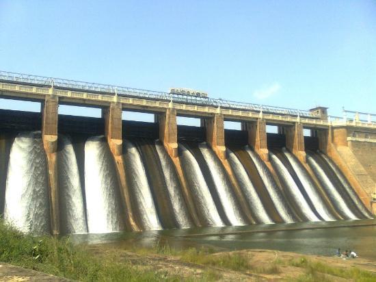 مادوراي, الهند: enga ooru dam 