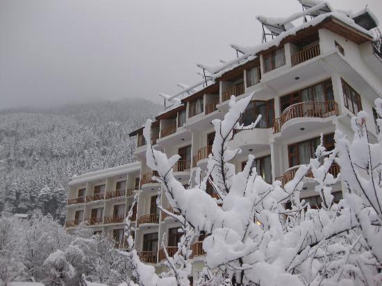 Sarthak Resorts Manali