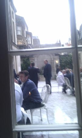 Butler's at the Chesterfield: Courtyard