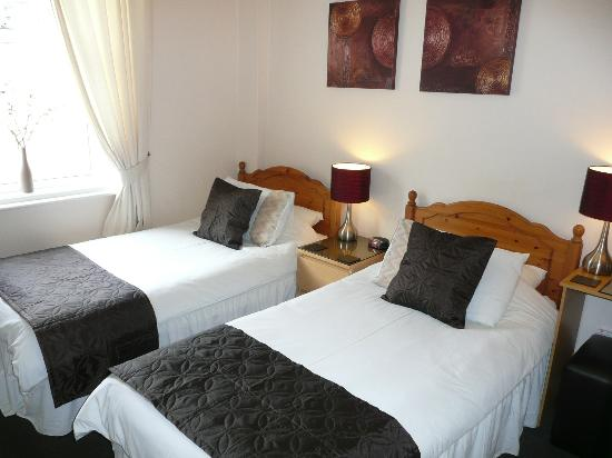 Beechwood Guest House: Twin Room With Full En-Suite