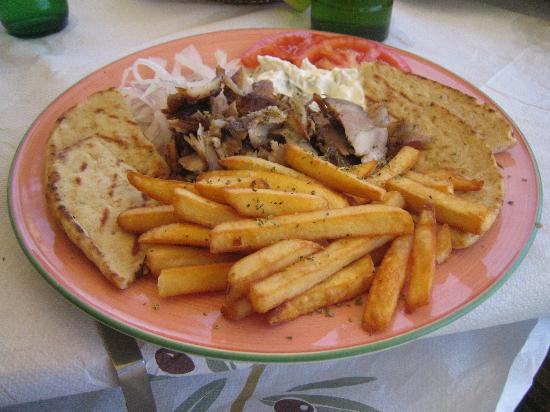 Zorbas Restaurant: The gyrosplate from Zorba