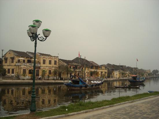 Hoi An Locas Private Day Tours: Early morning reflections