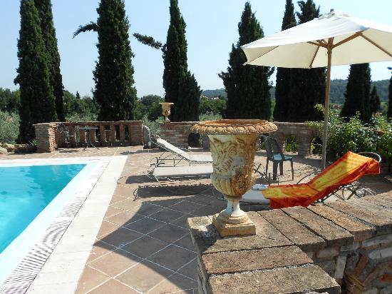 Agriturismo Pratello: La piscina