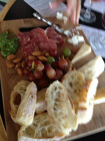 Fox Run Vineyards : Great wine and cheese platter