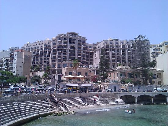 Le Meridien St. Julians: View of Hotel