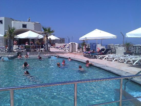 Le Meridien St. Julians: Hotel's Roof Top Swimming Pool