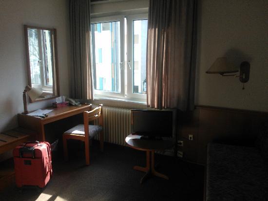 Brunnen Hotel: Single Room