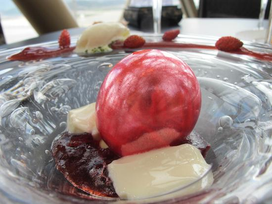 Robuchon au Dome: malaga strawberries dessert