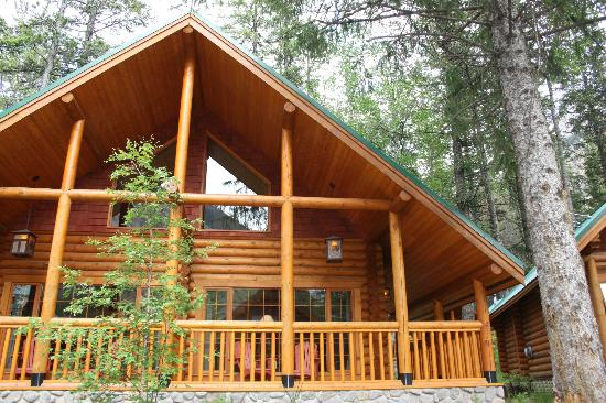 Cathedral Mountain Lodge: DeLuxe King Cabin