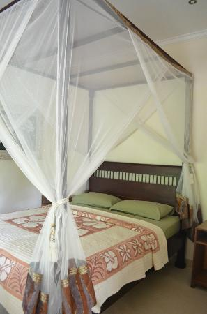 White Lotus Yoga & Meditation Centre: great bed