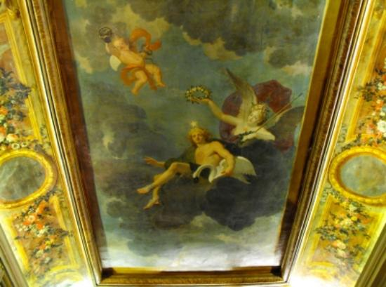 Hotel des Saints-Peres: This is the ceiling of our room