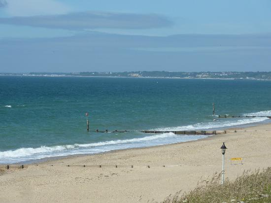 The Yenton: Wide open beaches for all to enjoy, including areas for dogs to run free.