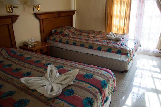Si Doi Hotel: Inside the twin room