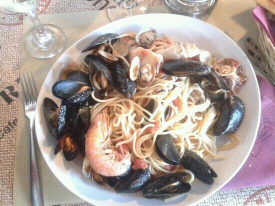 Pizzeria Fra Diavolo: spaghetti ai frutti di mare