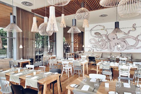 Sopot Marriott Resort & Spa: Mera Brasserie on ground floor