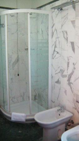 Hotel Michelangelo Palace: Bagno stanza (2)