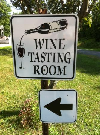 Working Dog Winery: sign