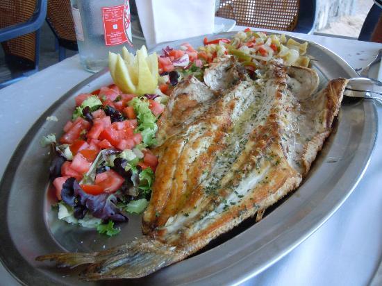 Restaurante Balneario La Magdalena: The sea bass