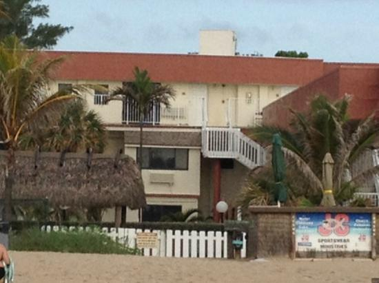 La Costa Beach Club Resort: View of our unit from the beach.
