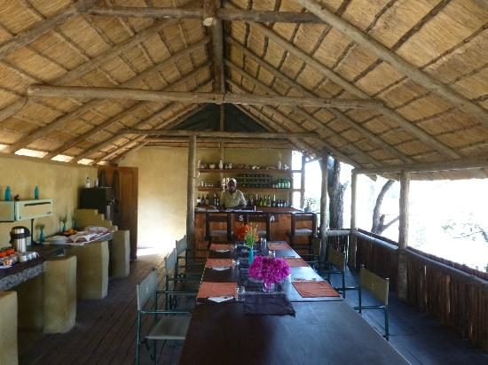 Shindzela Tented Safari Camp: Dining area--delicious food!