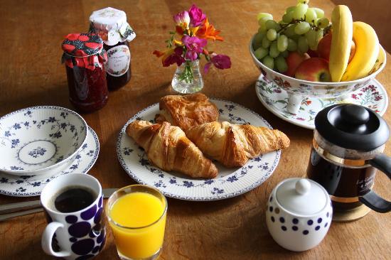 Ridge House Bed & Breakfast: Breakfast