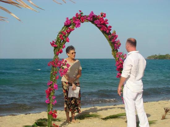 Westwind Hotel on the Beach: Beach Wedding