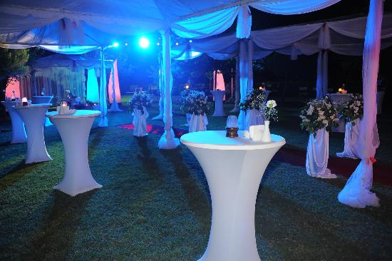Miracle Resort Hotel: wedding venue at night