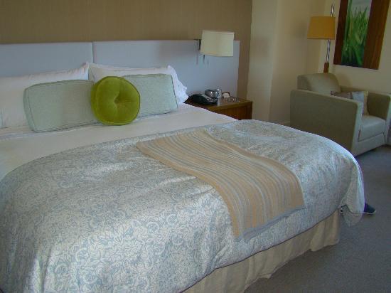 Hotel Vitale, a Joie de Vivre hotel: bedroom