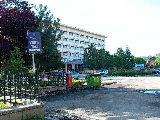 Hotel Rusca: Vor dem Hotel 2
