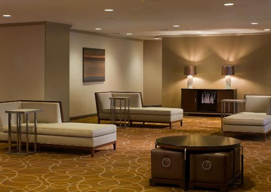 Sheraton Boston Hotel: Social Space - Third Floor